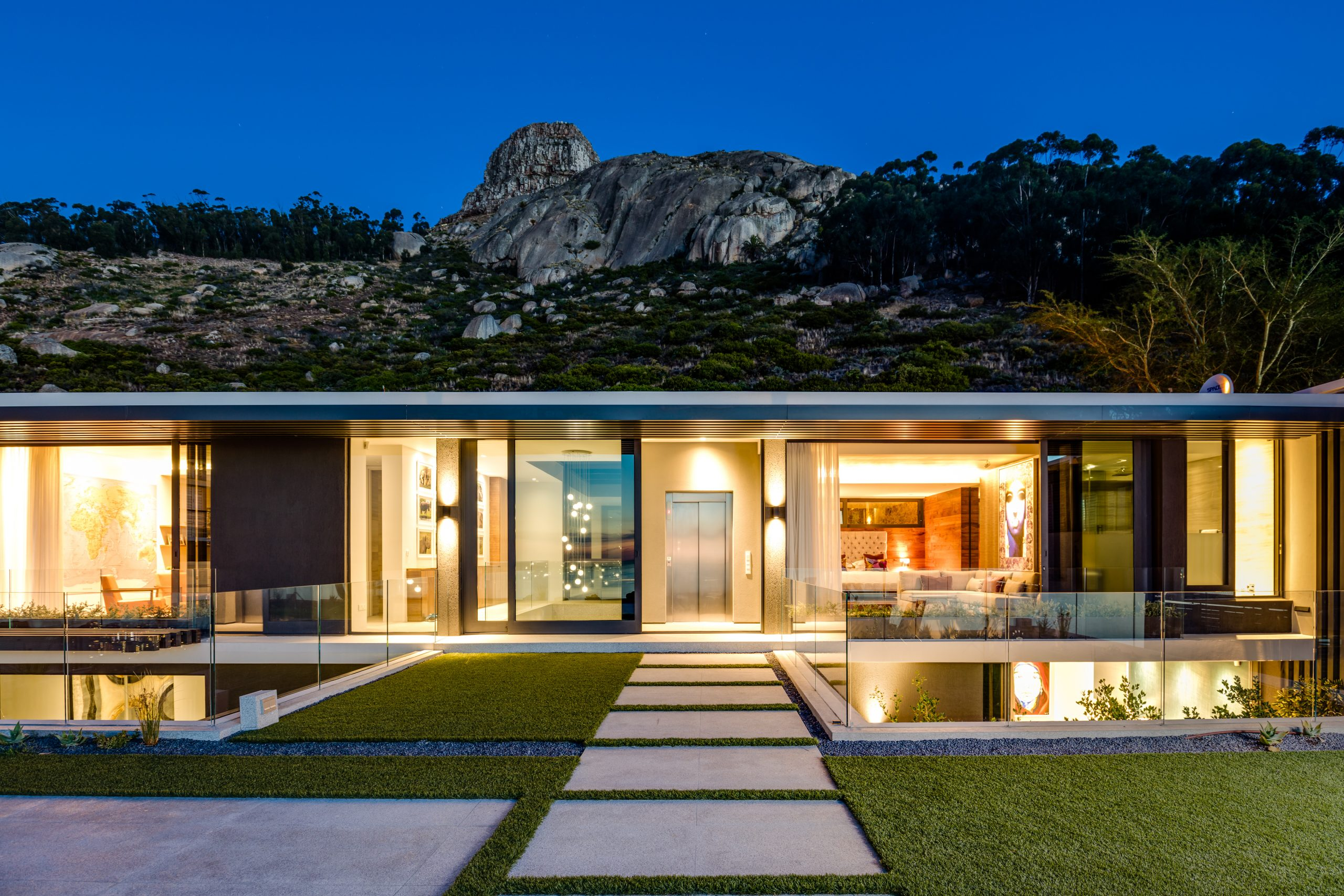 Luxurious Home in Fresnaye with Spectacular Views