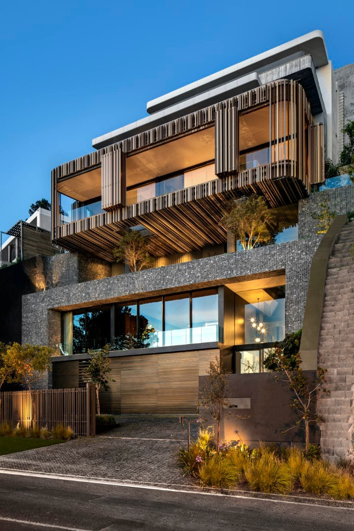 5 Bedroom House in Clifton
