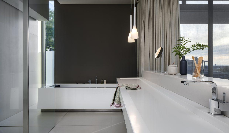 008 Villa - 1st Floor Master Bathroom