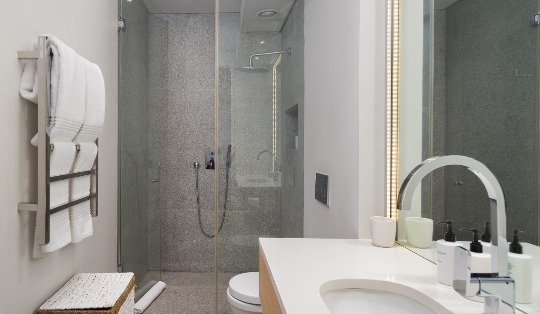 Camps Bay Apartment For Rent - 102 Boulder