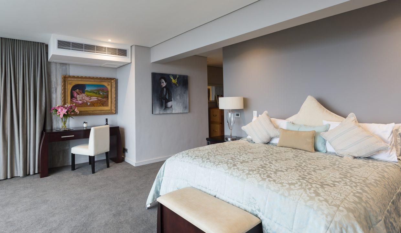 Master bedroom-3
