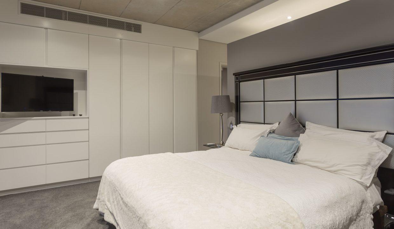 downstairs bedroom-2