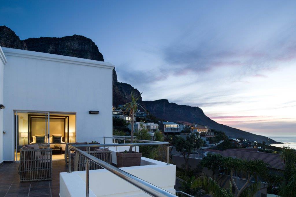 15 Top balcony view