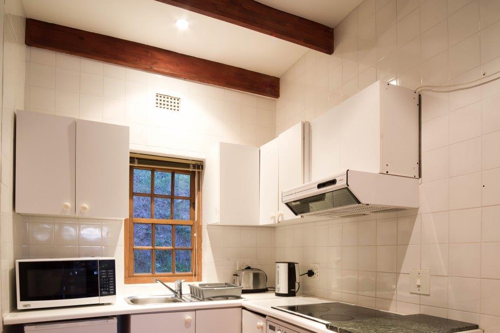 22 Cottage kitchen