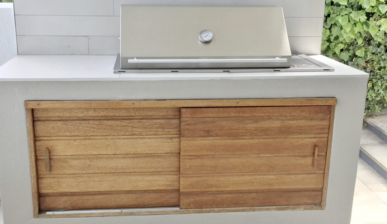House Built-In Gas Grill