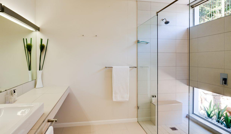 House En-Suite Bathroom 3
