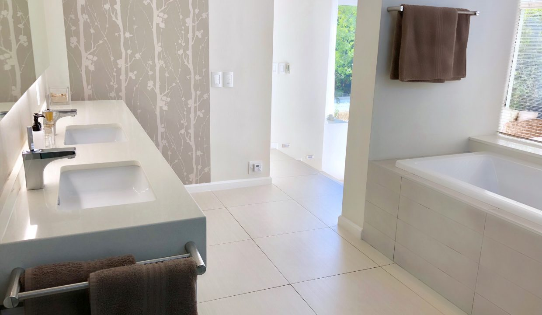 Penthouse En-Suite Bathroom