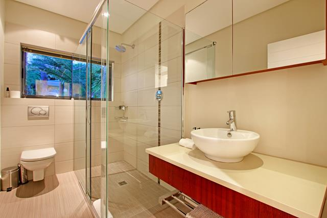Panacea - Bedroom 2 bathroom dusk (Copy)