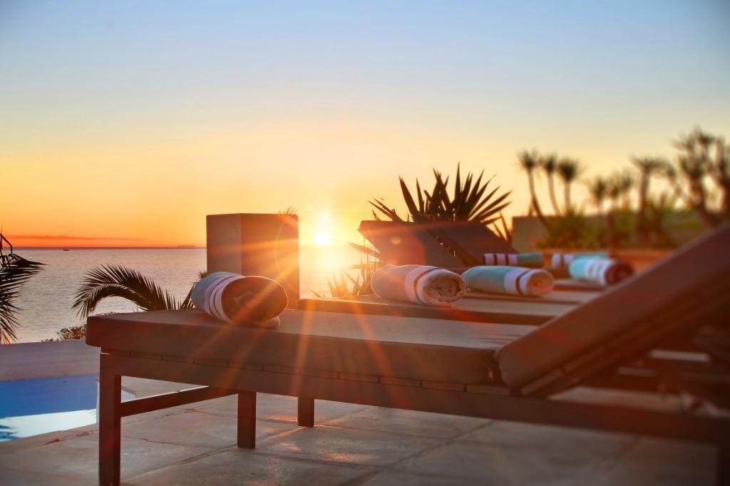 beach-villa-one-camps-bay-5d08abff5893a