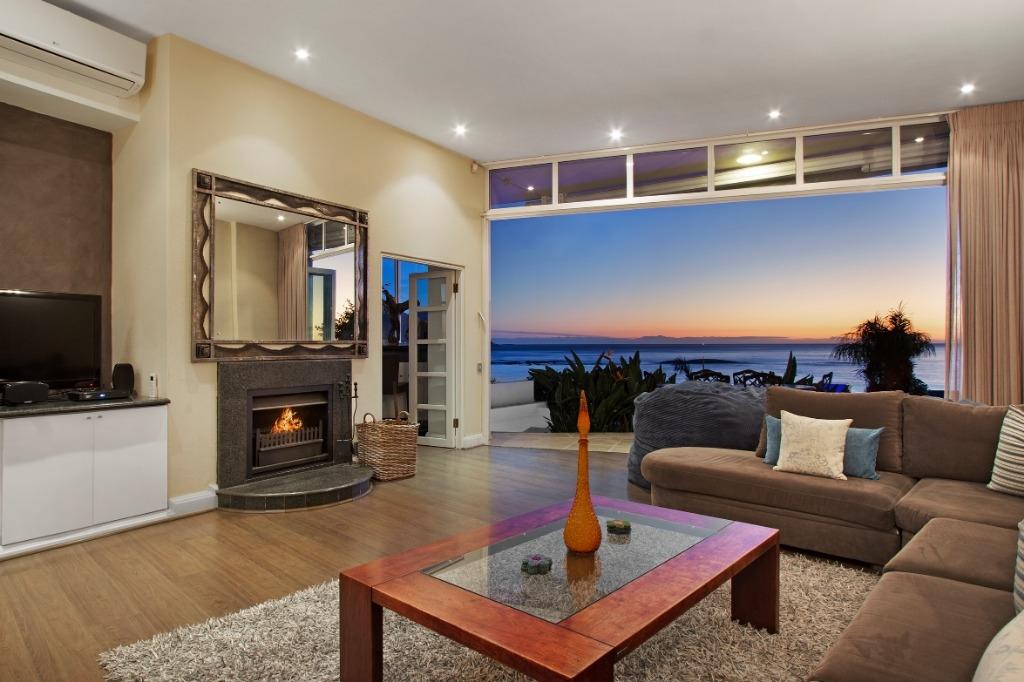 beach-villa-one-camps-bay-5d08ac3269705 (1)