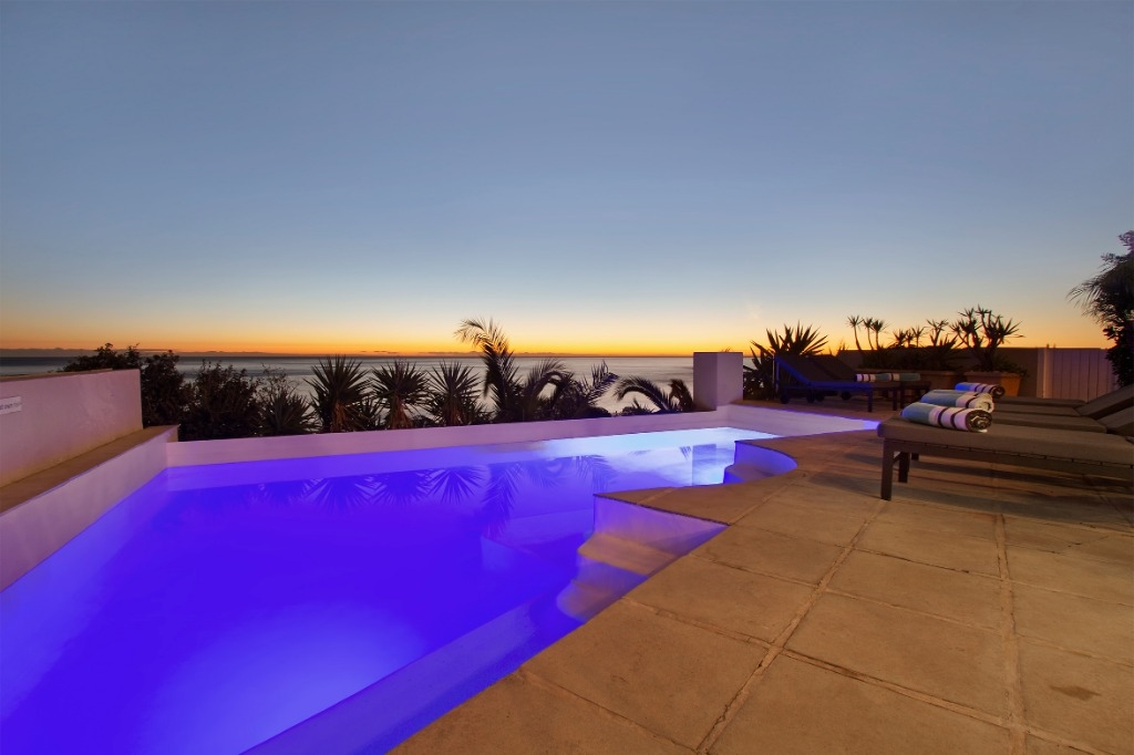 beach-villa-one-camps-bay-5d08ac3e67124