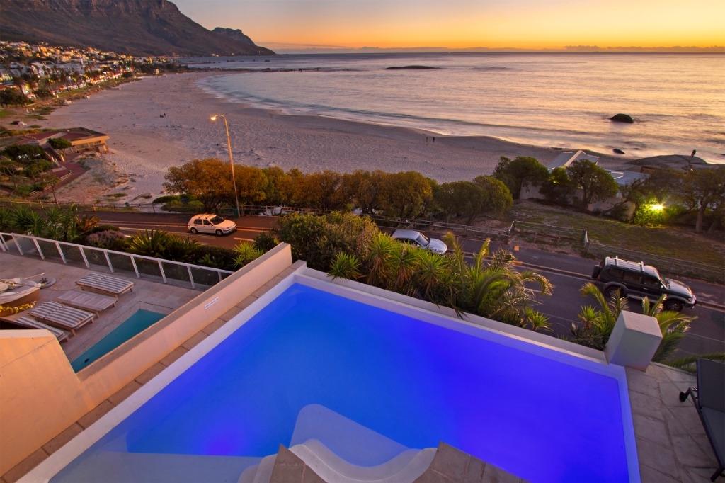 beach-villa-one-camps-bay-5d08ac4461b37