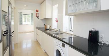Vilamoura 4+2 kitchen view (Copy)