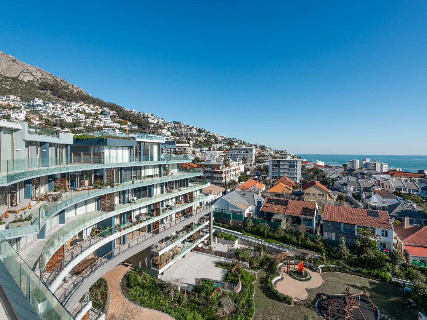 Magnificent 3 Bedroom Penthouse in Sea Point