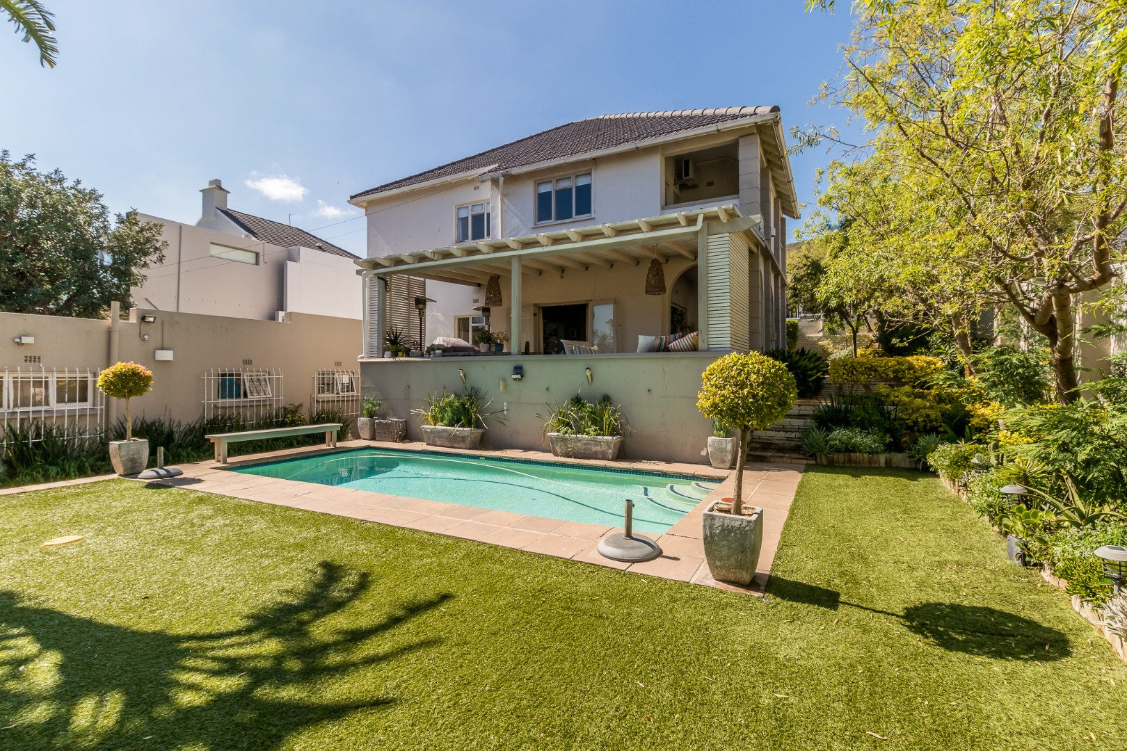 Large Family Home in Fresnaye with GR2 Zoning