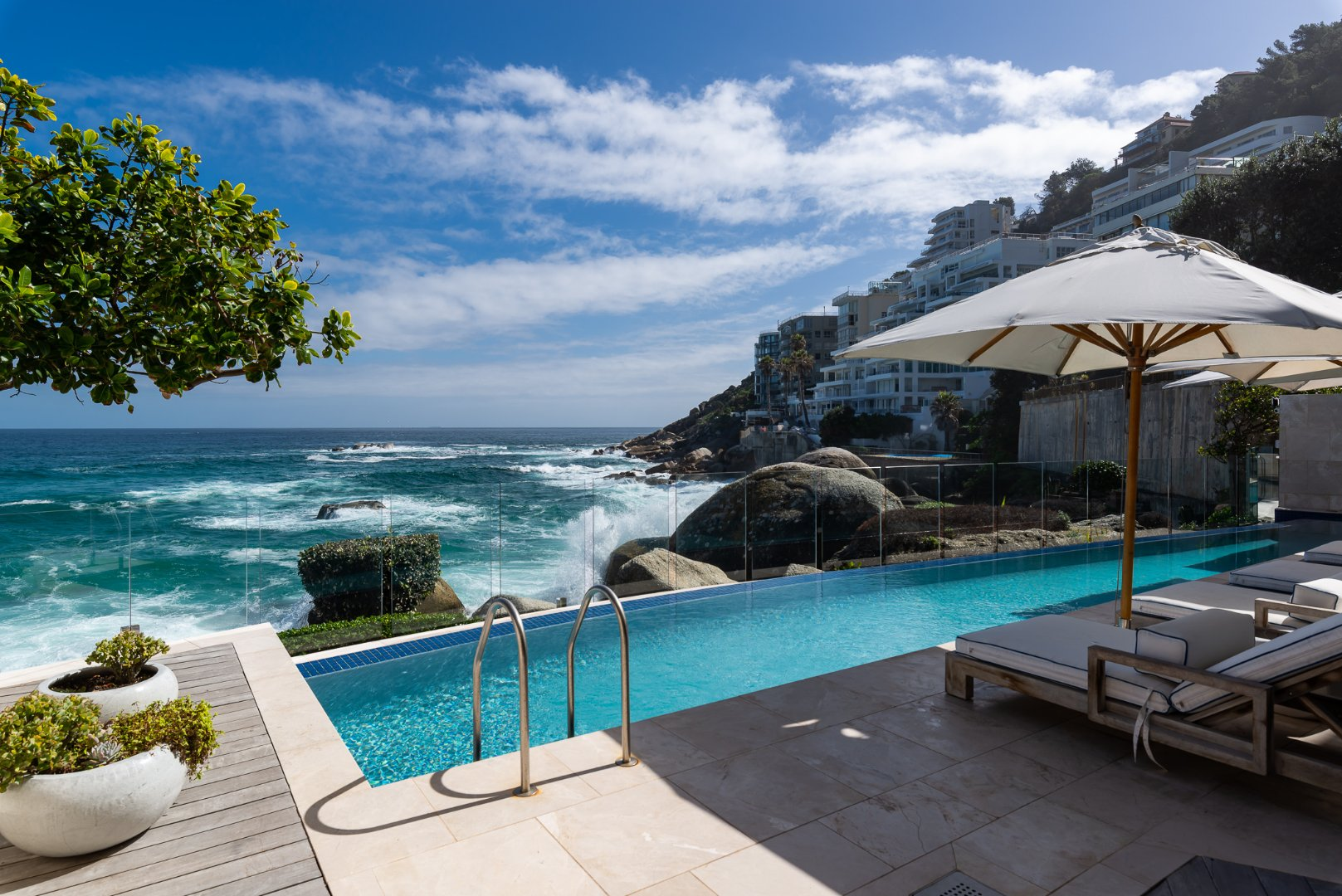 4 Bedroom Penthouse Apartment for Sale in Clifton