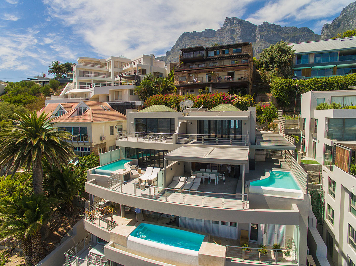 Three Bedroom Penthouse Apartment To Rent with Uninterrupted Ocean Views