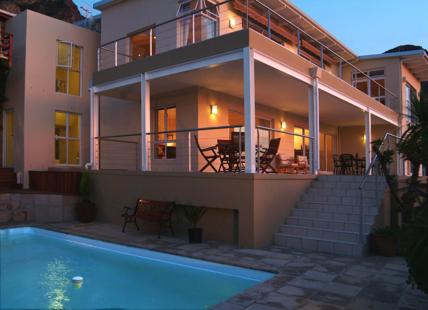 Furnished 3 Bedroom House for Rent in Camps Bay