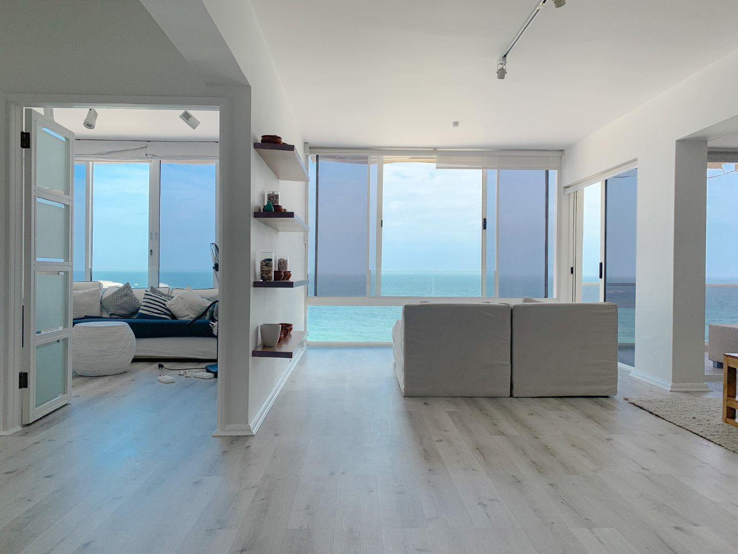Beautiful and Spacious Apartment with Views