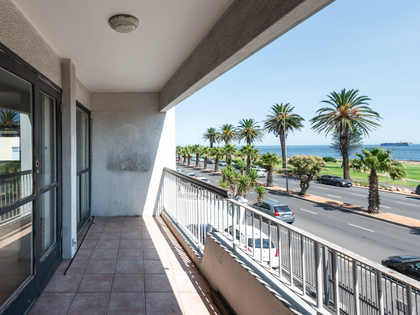 Three Bedroom Beach Front Apartment for Rent