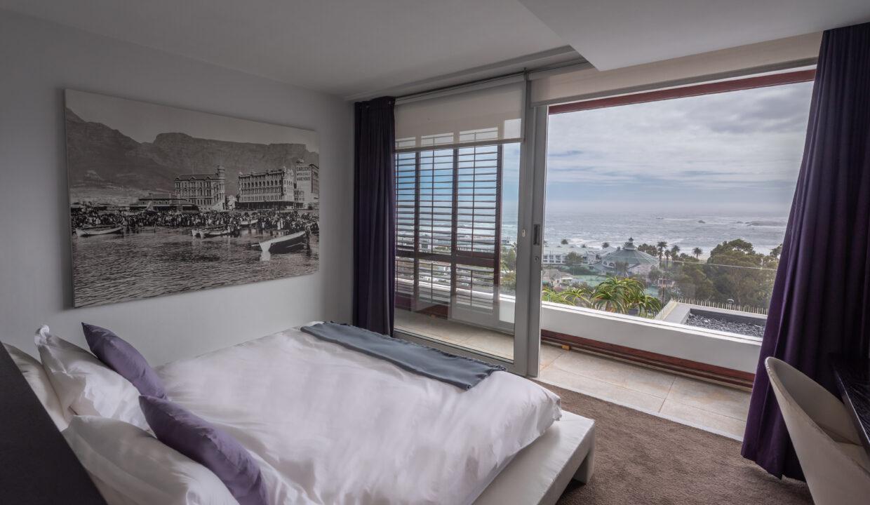 30.Double Bedroom with ocean view