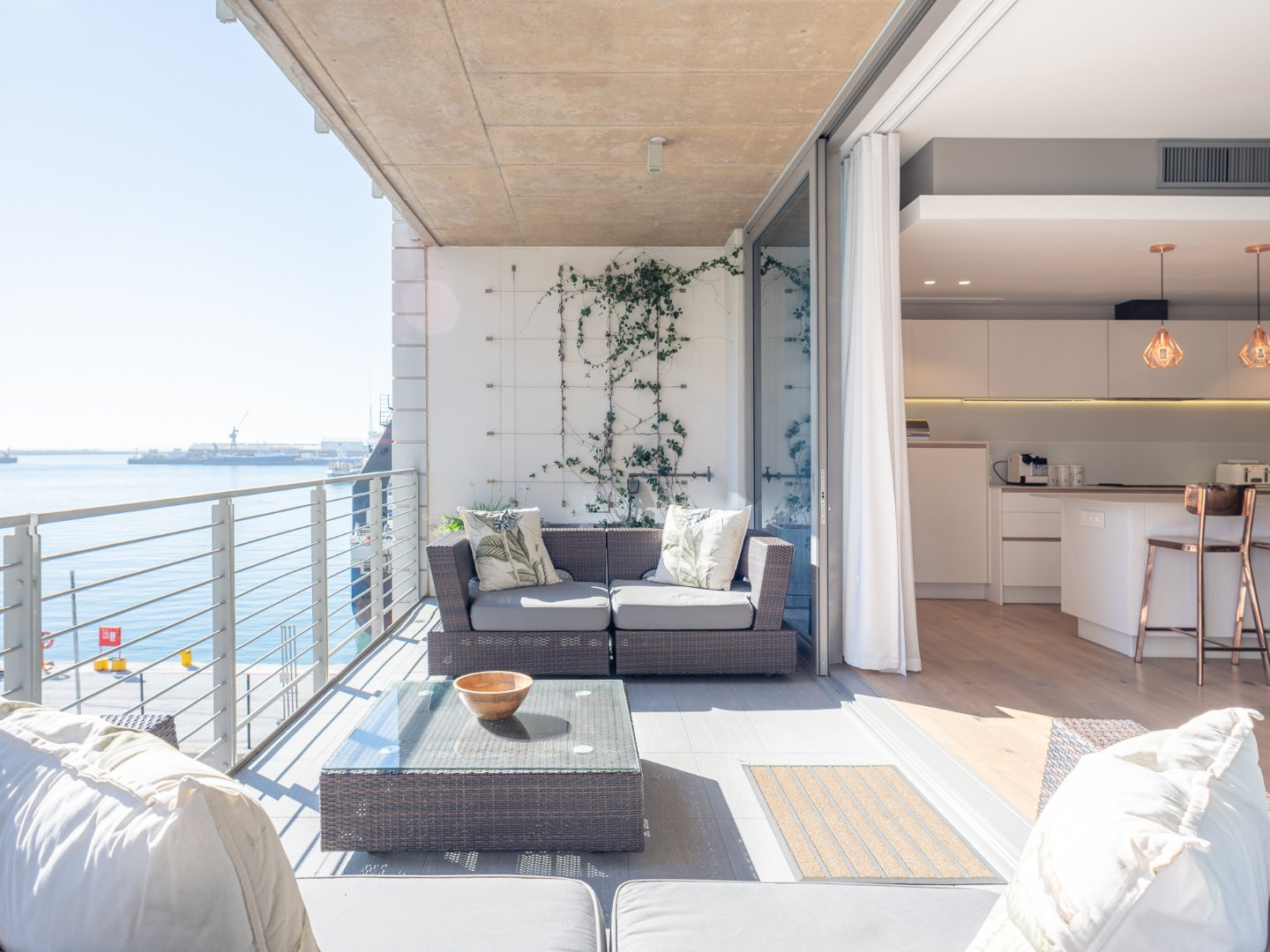 Contemporary Living on Water's Edge