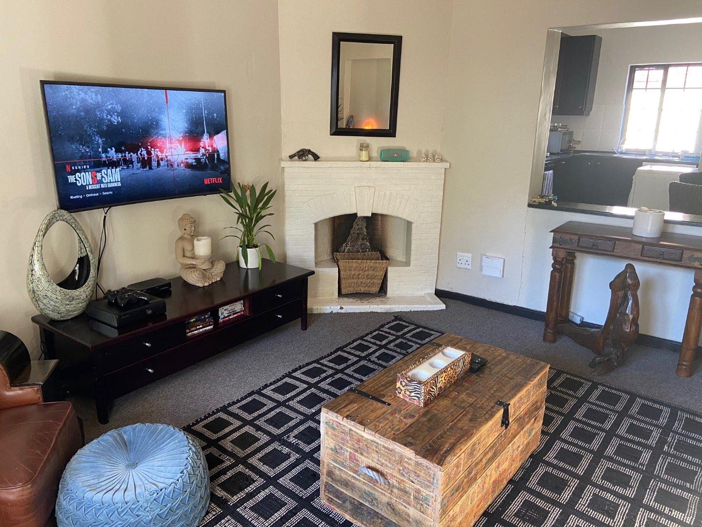 2 Bedroom Apartment to Rent in Oranjezicht