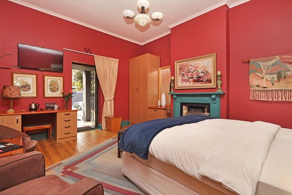 13 Bedroom Guesthouse for Sale in Greenpoint