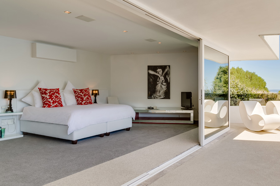 Ebb Tide Luxury Apartment in Camps Bay21
