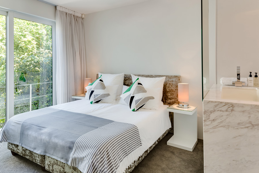Ebb Tide Luxury Apartment in Camps Bay23