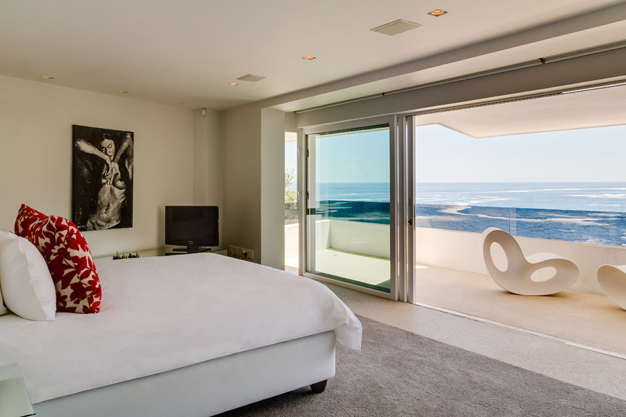 Ebb Tide Luxury Apartment in Camps Bay35