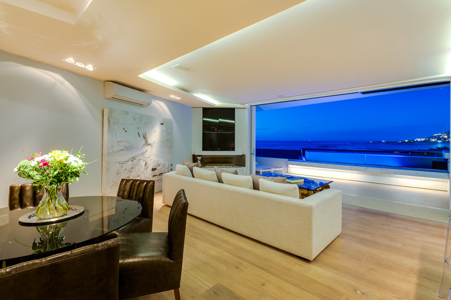 Ebb Tide Luxury Apartment in Camps Bay7