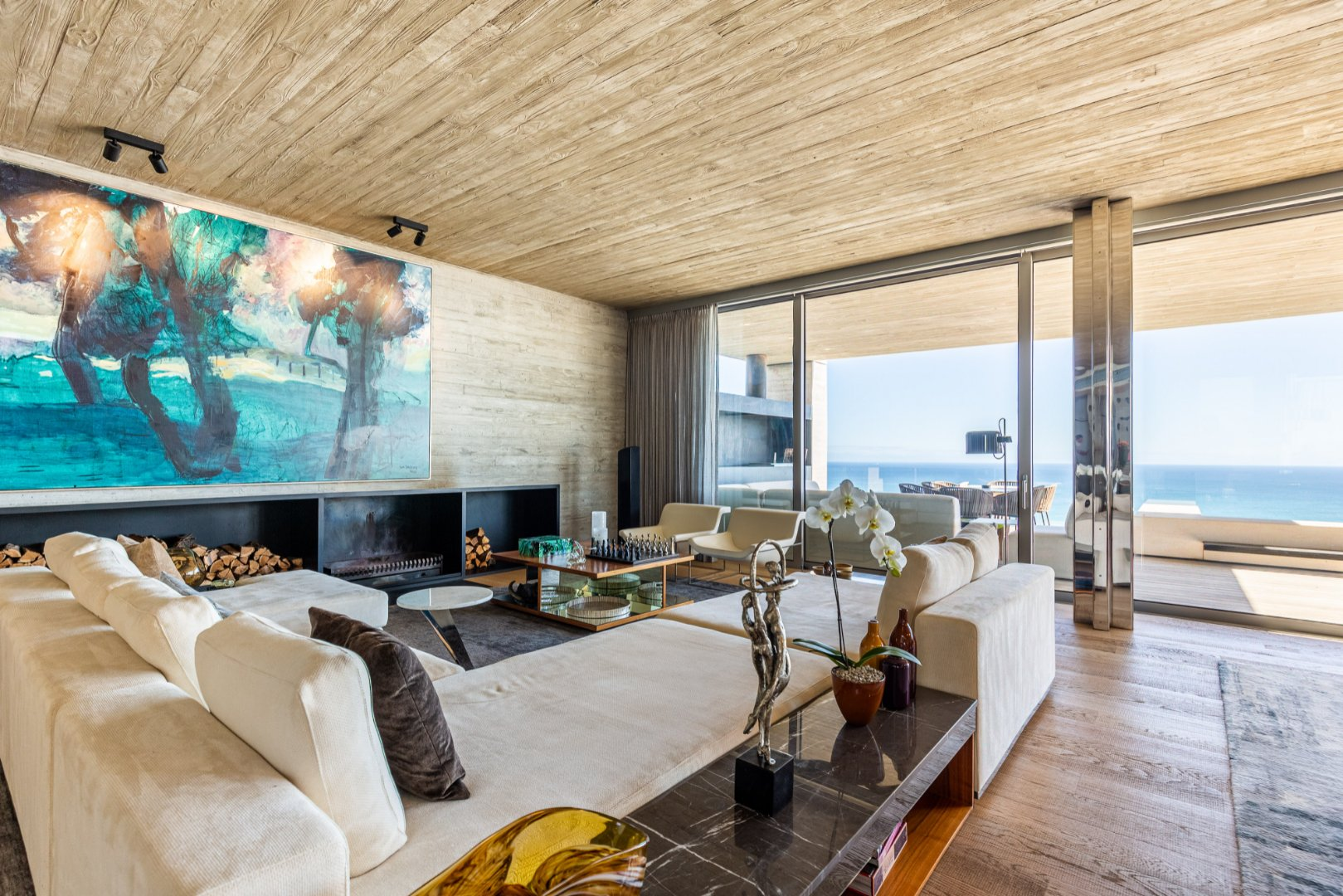 Magnificent 5 Bedroom Home for Sale in Bantry Bay